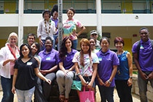 Thao Le and students at Leilehua HS